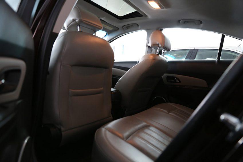 Chevrolet Cruze LT V4 2013 interior