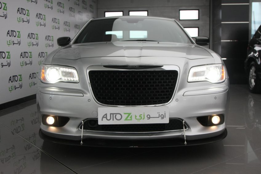 Used Chrysler 300 SRT 8 V8 at autoz Qatar