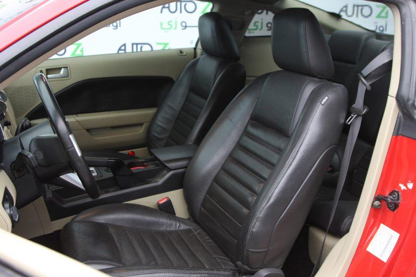 فورد موستانج GT 2009 من الداخل