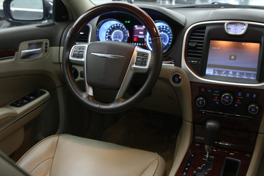 Black Chrysler 300C V8 dashboard