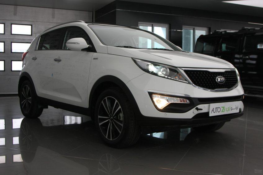صورة كاملة لسيارة كيا سبورتاج بيضاء جديدة من اوتو زي قطر