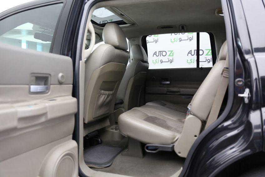 Dodge Durango Limited interior