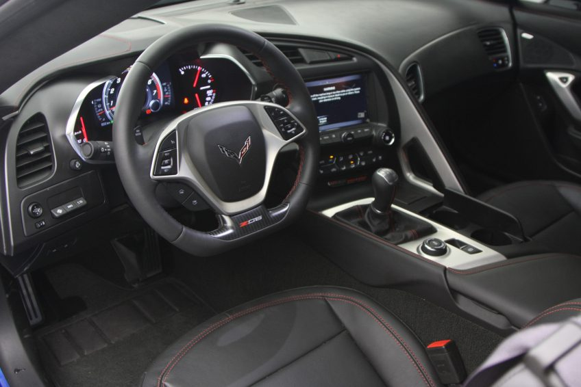 Blue Chevrolet Corvette ZO6 V8 2016 interior