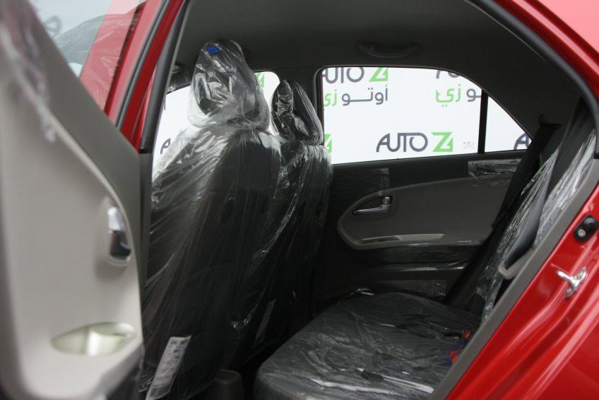 صورة المقاعد الخلفية لسيارة كيا بيكانتو حمراء من اوتو زي قطر