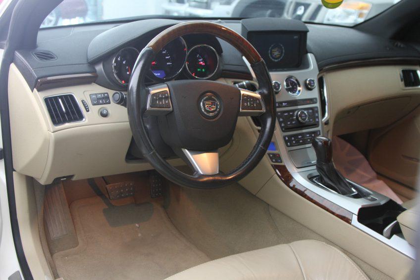 used Cadillac CTS V6 dashboard