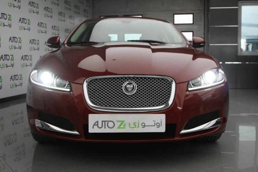 صورة أمامية لسيارة جاغوار XF من اوتو زي قطر