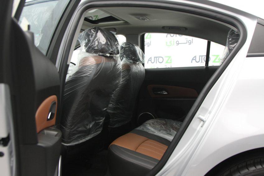Silver Chevrolet Cruze LT 2016 interior