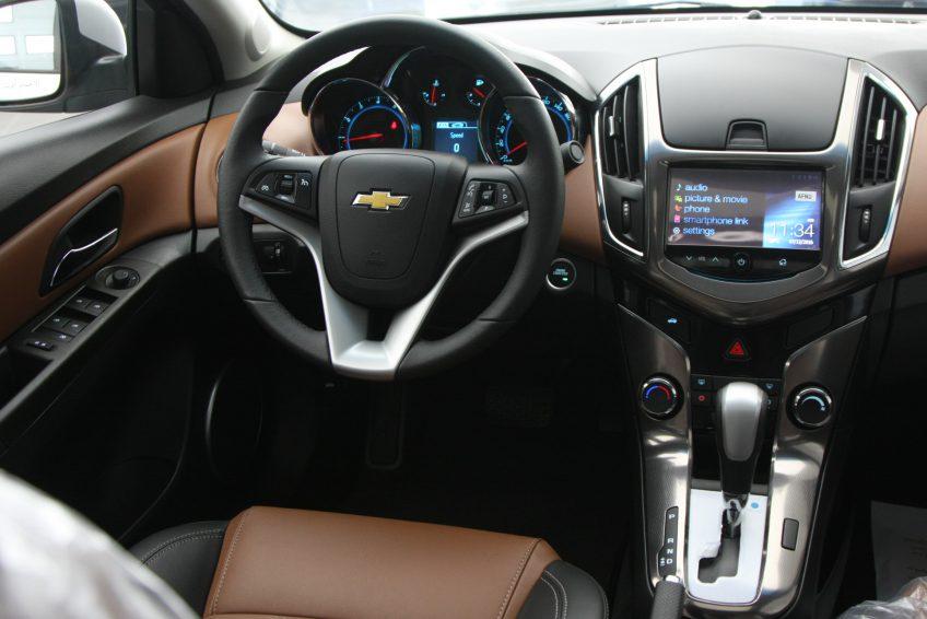 Silver Chevrolet Cruze LT 2016 at autoz qatar
