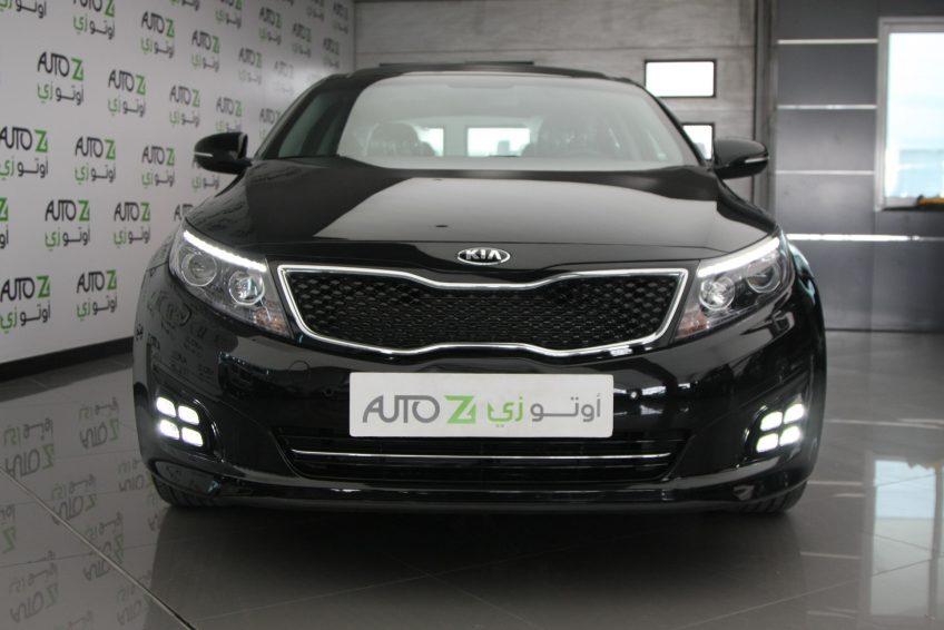 صورة أمامية لسيارة كيا اوبتيما سوداء من اوتو زي قطر