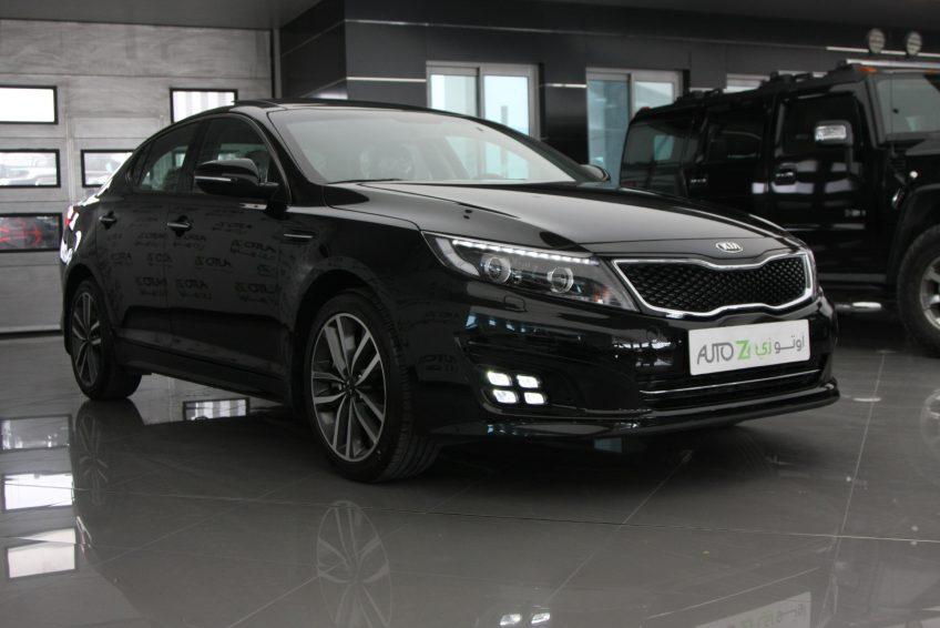 صورة سيارة كيا اوبتيما سوداء من اوتو زي قطر