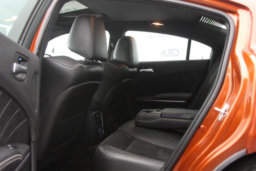 Dodge Charger SRT-8 V8 interior