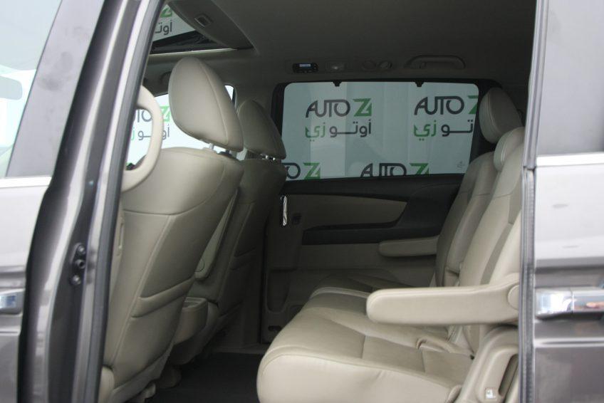 هوندا اوديسي مستعملة 2014 من الداخل في اوتو زي قطر