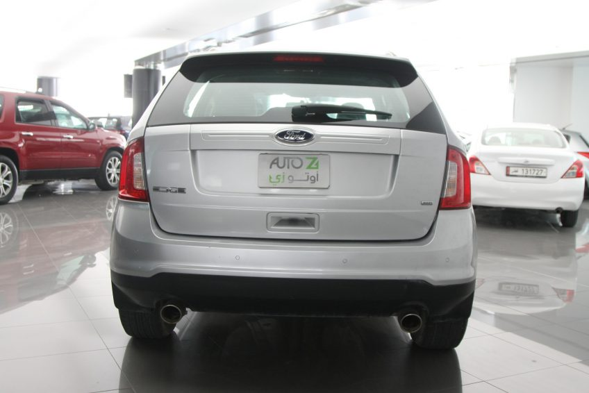 Used Ford Edge V6 from the back