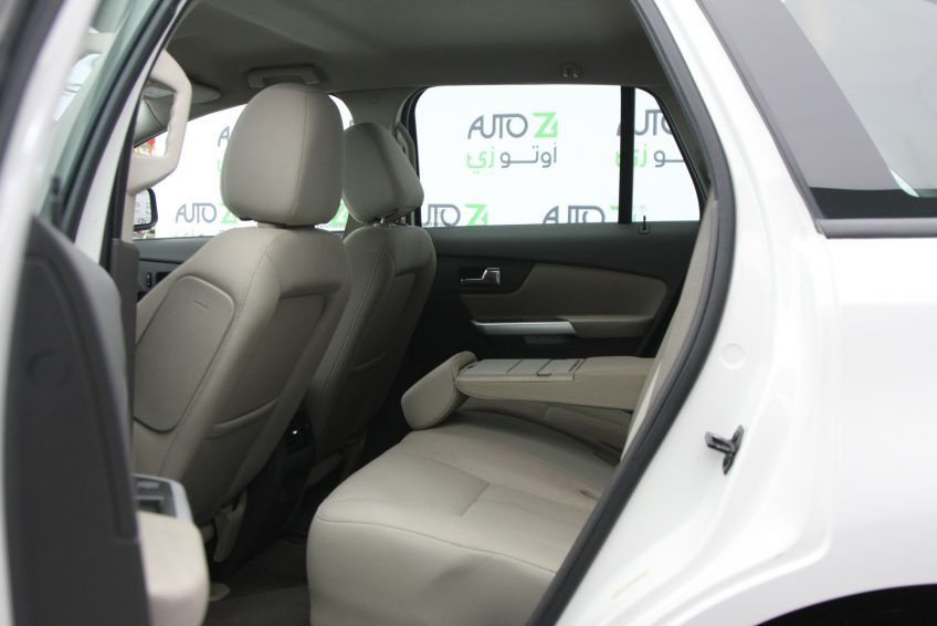 Used White Ford Edge interior