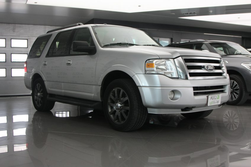 Used Ford Expedition V8 at autoz Qatar