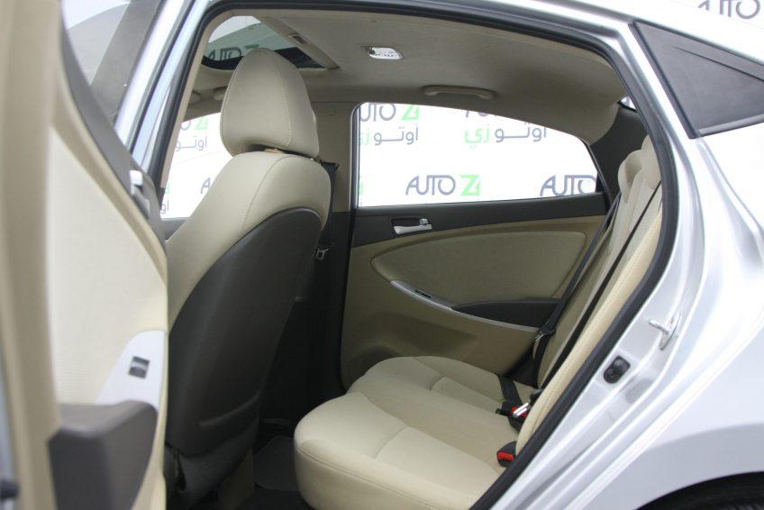 المقاعد الخلفية لسيارة هيونداي أكسنت من اوتو زي قطر