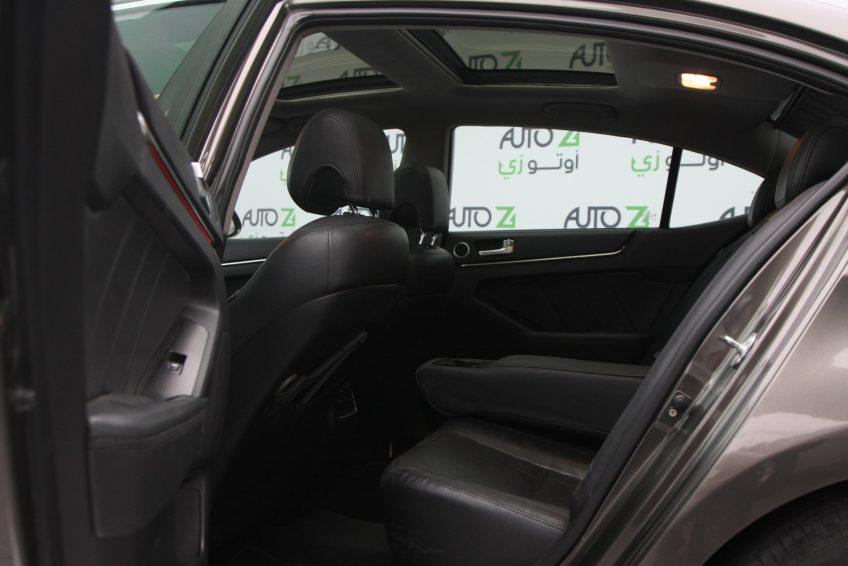 المقاعد الخلفية لسيارة كيا كادينزا