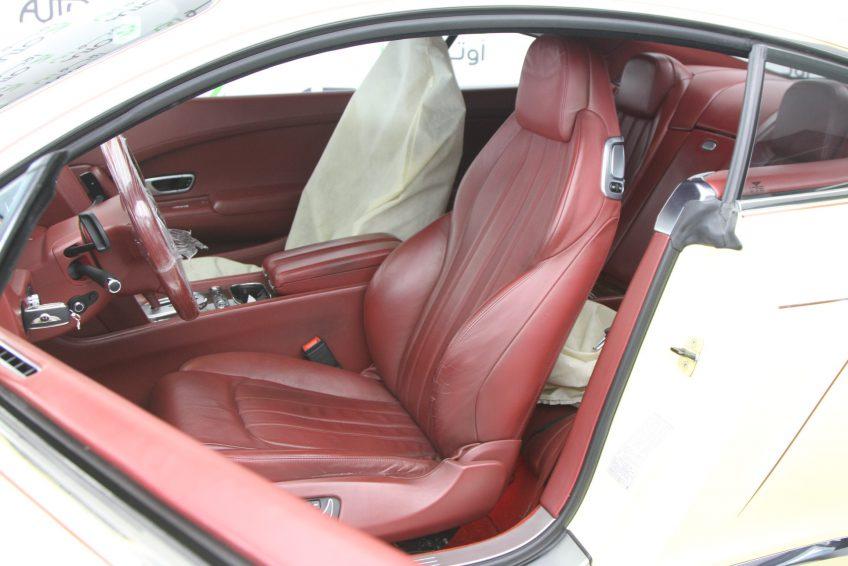 Bentley Continental GT 2012 interior