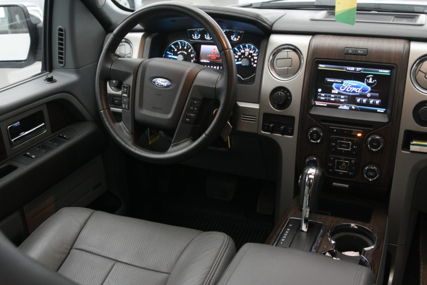 Used White Ford F-150 dashboard