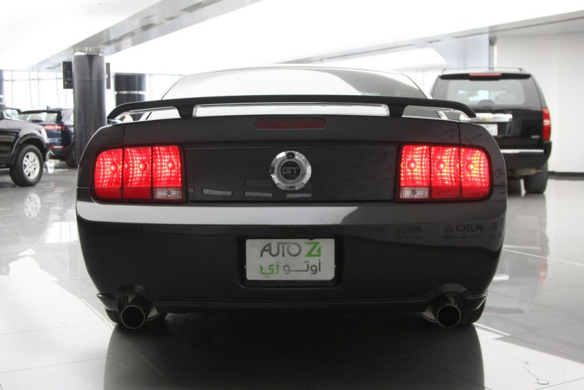 Used Black Ford Mustang GT from the back