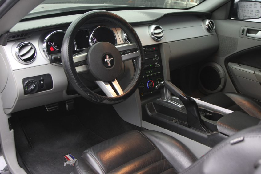 Used Black Ford Mustang GT dashboard
