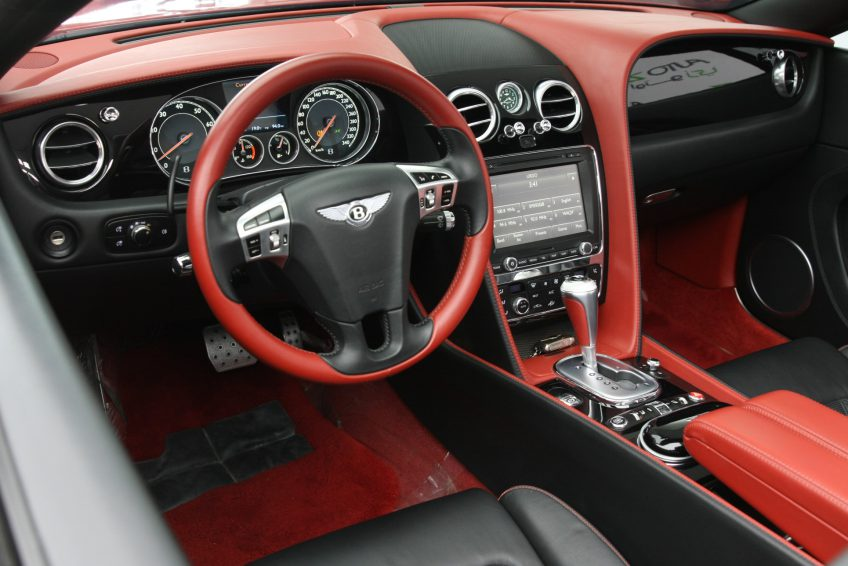 Bentley GTC W12 Speed 2013 dashboard at autoz