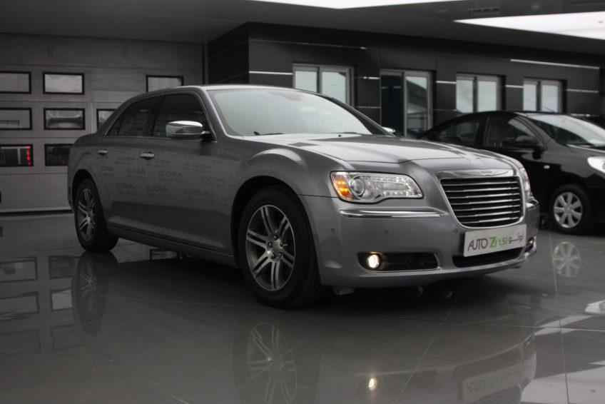 New Chrysler 300C V6 at autoz Qatar