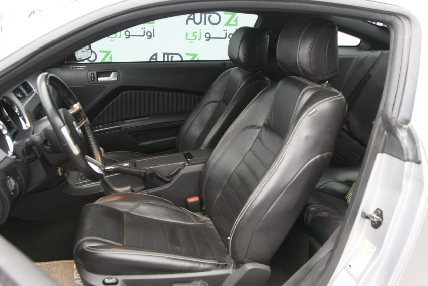 Used Ford Mustang GT V8 interior