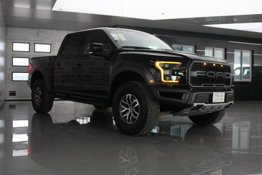 Black Ford Raptor V8 at autoz Qatar