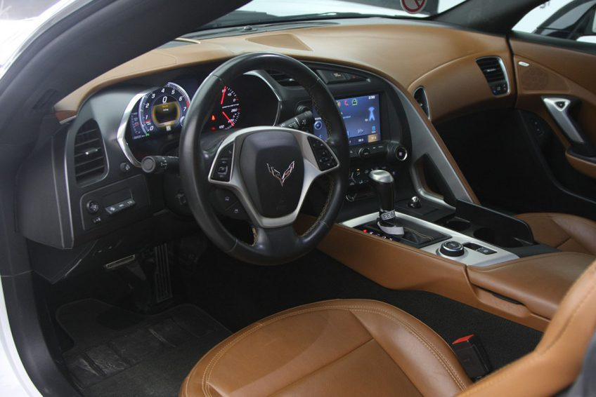 Chevrolet Corvette C7 V8 interior 2014 | used cars in Doha, Qatar