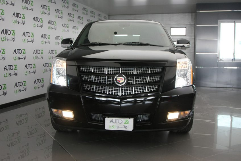 Black Cadillac Escalade V8 at autoz Qatar