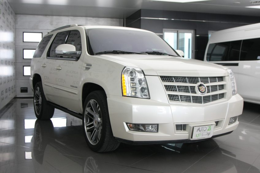 new and used cadillac escalade qatar autoz qatar. Black Bedroom Furniture Sets. Home Design Ideas